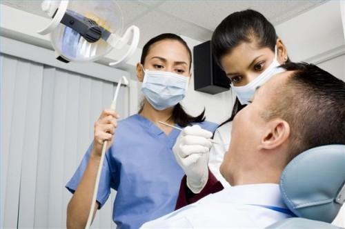 Hvordan å behandle tannråte