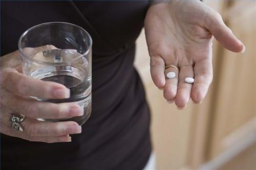 Hvordan bruke reseptbelagte legemidler til behandling av muskel Forstuinger
