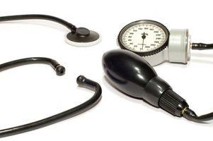 Symptomer på leversykdom som skyldes alkohol