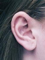 Hvordan bli kvitt overflødig ørevoks