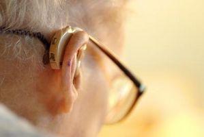 Hvordan å holde et høreapparat fra å falle ut av øret