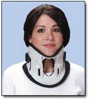 Hvordan å sove mens iført en Cervical (nakke) Collar