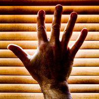 Hvorfor er Fingers Going Numb?