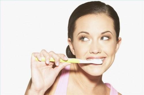 Hvordan å behandle gingivitt med natron