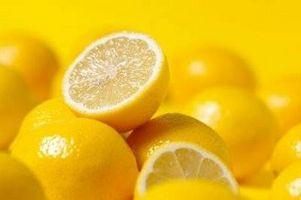 Hvordan lage Lemon lønnesirup for A Detox Diet