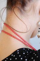 Hvordan bruke en pneumatisk Neck Brace