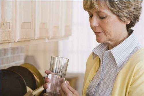 Hvordan vite når du skal be om smertestillende medikamenter etter en mastektomi