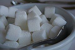 Hvordan slutte å spise sukker