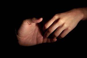 Hvordan bli kvitt svette hender