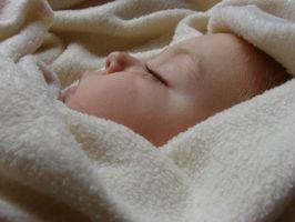Hvordan få en 14 måneder gammel pjokk å sove om natten