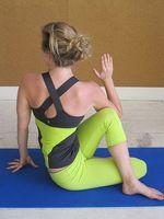 Yoga Poses å forvise nakke og skulder smerter