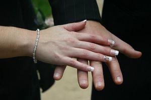 Hvordan diagnostisere Hvite prikker på Nails for Health