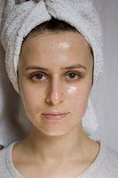Hvordan får jeg kvitt leverflekker, pigmentflekker og mørke ringer under øynene?
