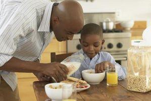 Hvor mye kalsium gjør en voksende barn trenger per dag for?