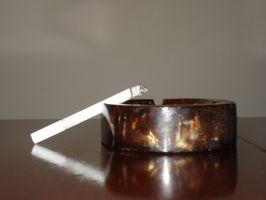 Slik fjerner røyk flekker på tennene