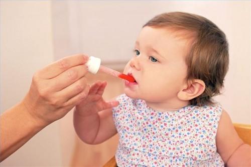 Hvordan behandle Infant herpes infeksjon