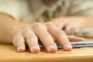 Symptomer: Hot fingertuppene og Prikking