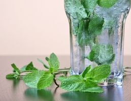Hvordan Beat dårlig ånde med husholdning ingredienser