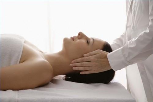 Hvordan bruke Massage å lindre nakkesmerter