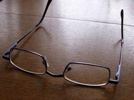 Hvordan Juster til et par nye briller