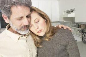Hvordan støtte foreldre gjennom sorgprosessen
