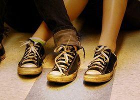 Hva er årsakene til Prikking og kramper i føttene?