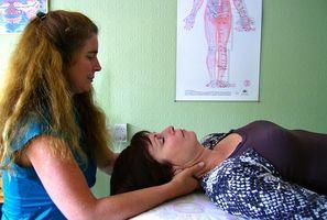 Hva er årsakene til Back Pain & Prikking i hender & føtter?