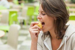 Hvor mange porsjoner med frukt og grønnsaker bør spises daglig?