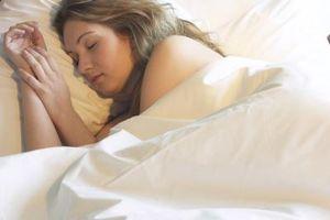 Hva er årsakene til Chills og nattesvette?