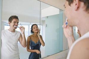 Hvordan å børste tennene med isvann