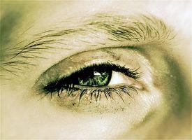 Hva er ptose av Eye?