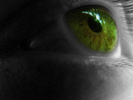 Hvordan du setter inn en Skleral Lens