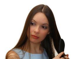 Hva er årsaken til høyt testosteron i kvinner?