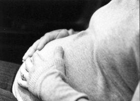 Hvordan behandle hevelse under graviditet