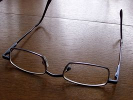 Brille skruer