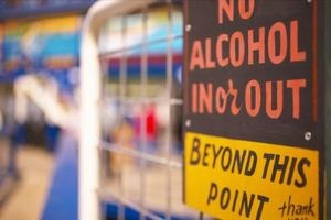 Hvordan å slutte å drikke på egen hånd