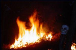 Hva som forårsaker en brennende følelse i kroppen?