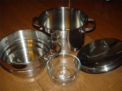 Hvordan lage en eterisk olje Distiller fra Kitchen Equip