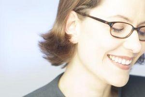 Hvordan reparere en plast Brille Frame
