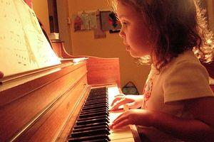 Musikk og hjernens utvikling hos små barn