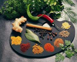 Hvordan lage Alkaline Vann Med indisk krydder
