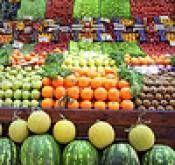 Hvordan å suge grønnsaker og frukt i Sea Salt vann for å fjerne plantevernmidler
