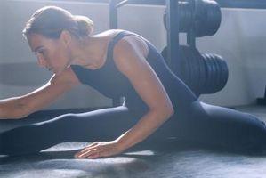 Hvordan å strekke en muskel krampe i din Hamstring