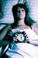 Hva er årsaken til Rykninger når du sover?