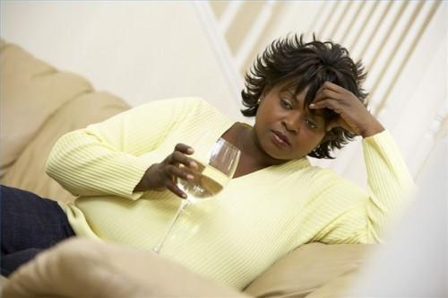 Hvordan snakke med en lege om alkoholforgiftning