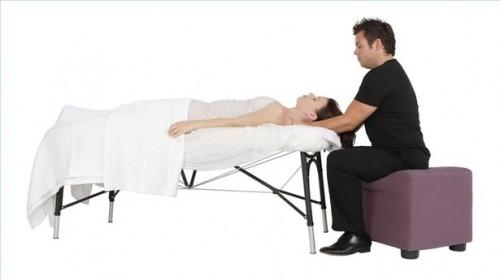 Hvordan bruke Healing Touch til å håndtere smerte