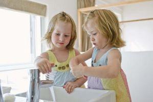 Emosjonelle og sosiale utvikling milepæler for 4- & 5-åringer