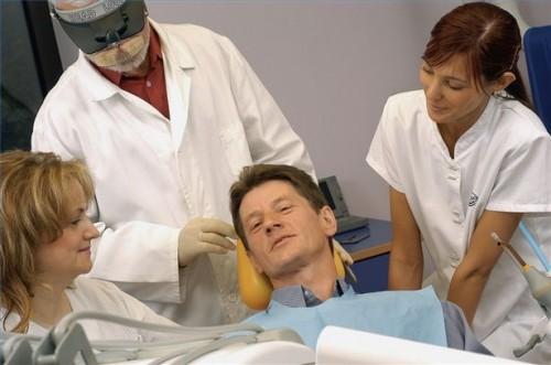 Hvordan forberede Dental Implant Surgery