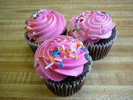 Hvordan Substitute Applesauce for Olje i Cupcakes