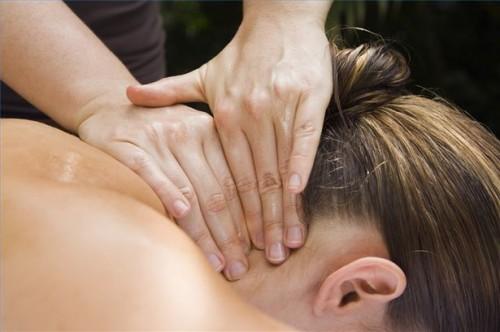 Hvordan Gi en nakke og skulder massasje